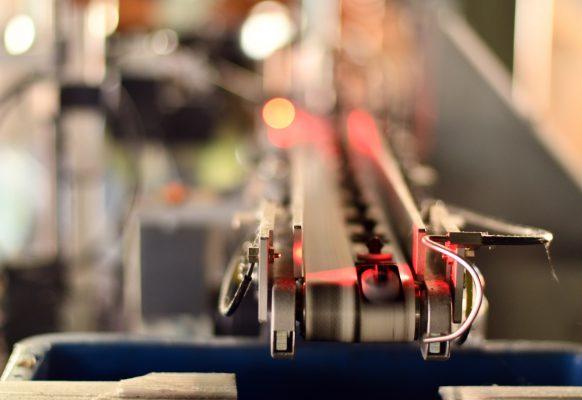 自動セット機・カメラによる欠品検査作業風景⑤